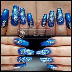 Gearbeitet mit folgenden Produkten von Graffdesign - shoppen auch ohne Gewerbeschein möglich: Metallic Blau Folie Steinchen ❤ #nailart #uvgel #nageldesign #naildesign #schönenägel #lovelynails #Graffdesign #nagelkunst