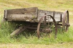 Picture of Old wooden farm wagon in the Palouse Region of Washington Wagons For Sale, Horse Drawn Wagon, Wooden Wagon, Old Wagons, Old Farm Equipment, Covered Wagon, Old Tractors, Farm Barn, Wheelbarrow