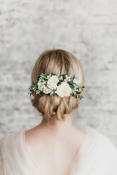 This Bridal Hair Piece Flower Bridal Hair Comb Greenery Floral Hair Comb Wedding Hair Piece Flower Hair Comb White Wedding Hair Accessories Ivory is just one of the custom, handmade pieces you'll find in our decorative combs shops. Wedding Hair Flowers, Wedding Hair Pieces, Flowers In Hair, White Flowers, Green Flowers, Wedding Rings, Wedding Hair Roses, Blush Flowers, Elegant Flowers