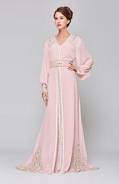 هكذا ترتدين القفطان المغربي بنصائح المصممة ليلى عمراوي!