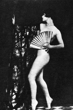 The lovely Louise Brooks during her time with the Ziegfield Follies.