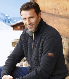 "Pullover ""Winter Valley"" mit Zopfmuster: http://www.atlasformen.de/products/neue-kollektionen/geschenkideen-fur-weihnachten/pullover-winter-valley-mit-zopfmuster/49604.aspx"
