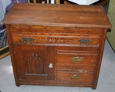 $95. Phantastic Phinds. Adorable Vintage Wood Chest 3 Drawers 1 Cabinet