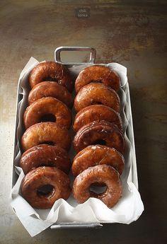 Dyniowe oponki w maślankowym lukrze / Pumpkin Donuts with Buttermilk Glaze