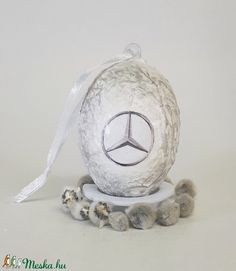 Mercedes húsvéti tojás, autó rajongói meglepetés tojás, nem csak húsvétra, névnapra, szülinapra, gyermeknapra. (Biborvarazs) - Meska.hu Subaru, Mazda, Snow Globes, Toyota, Decoupage, Easter, Bmw, Design, Home Decor