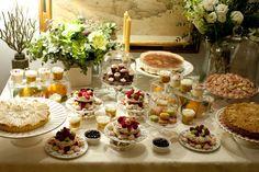 El deseo más dulce de María Antonieta, Macaroons, merengues, tartaletas de fresas y tartas ¡muchas tartas! Así son los deliciosos montajes dulces de Cristina Oria