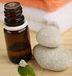 Tea tree oil can eliminate skin tags and warts