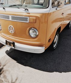 Retro Volkswagon van - something about this vehicle put a smile on my face #OnMyTravels