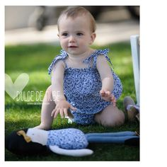 Sin duda el hecho de personalizar cada una de las muñecas, me ofrece la posibilidad de ver imágenes tan bonitas como esta… las dos protagonistas vistiendo el mismo modelito para la campaña de publicidad que hizo Ninona & Co  #dulcedenube #dulcedenubeworld #webactualizada #mommyhood #tequieromama #tesoretes #boniteces  #mamisdulce #mamasyprincesas #princesa #barcelona #handmade #handcrafted #hechoamano #fetama #doll #puppe #kids #kidstoys #muñecadetrapo #ninadedrap #dollmaker #clothdoll… Barcelona, Templates, Clouds, Sweet, Princess, Hand Made, Barcelona Spain
