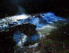 Nachádza v meste High Falls Park, off AL HWY 227 severozápade Geraldine, je High Falls. Tento scénický vodopád je 35 stôp a je tvorená Town Creek. Ak je vysoká voda, môžu pády niekedy span, rovnako ako 300ft naprieč.