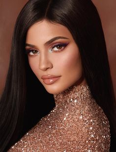 Kylie Jenner is a talented artist and very popular among fans. Kylie Jenner photo gallery with amazing pictures and wallpapers collection. Kylie Jenner Outfits, Moda Kylie Jenner, Kylie Jenner Fotos, Trajes Kylie Jenner, Kylie Jenner Hair, Looks Kylie Jenner, Estilo Kylie Jenner, Kylie Jenner Style, Kylie Jenner Palette