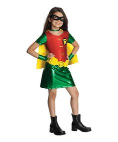 Save any dress-up outfit party from utter disaster with this riotous Robin outfit! Along with easy on/off closures and an authentic comic-worthy design, this officially licensed set includes everything needed for a great day of make-believe fun.