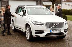 Volvo kick-starts self-driving program with civilian riders     – Roadshow http://www.charlesmilander.com/news/2017/12/volvo-kick-starts-self-driving-program-with-civilian-riders-roadshow/ from 0-100k followers, want to know? http://amzn.to/2hGcMDx