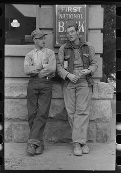 """Workmen at Umatilla Ordnance Depot in town, Hermiston, Oregon"" Photographer: Russell Lee, Date: September 1941 