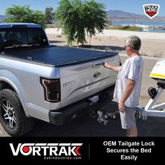 Storm Xccessories NAVARA NP300 2016 ON Black Double Cab Tri-Folding Fold Up Tonneau Cover