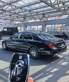 Maybach Mercedes Benz Maybach, Mercedes Benz Cars, Fast Sports Cars, Mercedez Benz, Street Racing Cars, Benz S Class, Suv Cars, Best Luxury Cars, Bugatti Veyron