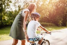 13 frasi che promuovono comportamenti positivi nei bambini Baby Strollers, Children, Positive Behavior, Emotional Development, Childish Behavior, Frases, Baby Prams, Young Children, Kids