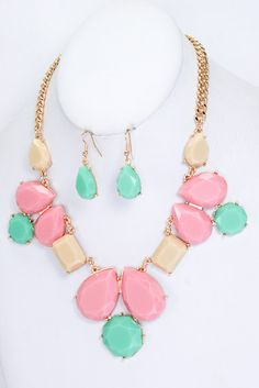 This is gorgeous!  ------------------------------------------------------------------- Vivian Multi Colored Statement Necklace and Earrings Set