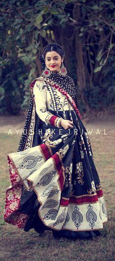 Anarkali by Ayush Kejriwal. Major mixing of patterns. Anarkali Dress, Pakistani Dresses, Indian Dresses, Indian Outfits, Lehenga, Sarees, Indian Look, Indian Ethnic Wear, Look Short