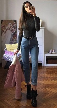 Sweater with mom jeans & platform lace up boots by mari_malibu - edgy outfits 38 Street Style Grunge Looks to Wear Right Now Mom Outfits, Jean Outfits, Trendy Outfits, Winter Outfits, Cute Outfits, Fashion Outfits, Fashion Boots, Winter Dresses, Outfits With Mom Jeans