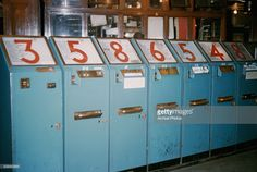 A ticket machine in a London Underground station, London, England, circa London Underground Tickets, London Underground Stations, London Pictures, London Photos, Tube Stations London, My Childhood Memories, 1970s Childhood, London Docklands, Remember Day