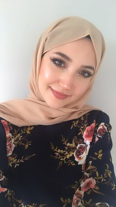 Modest Fashion, Women's Fashion Dresses, Casual Dresses, Chiffon Hijab, Hijab Shop, Hijab Fashionista, Hijabi Girl, Hijab Tutorial, Islamic Fashion