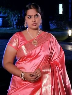 Beautiful Girl Photo, Beautiful Girl Indian, Most Beautiful Indian Actress, Beautiful Saree, Beautiful Actresses, Indian Natural Beauty, Indian Beauty Saree, Dehati Girl Photo, Aunty In Saree