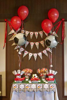 Decoración para comunión y fiestas de cumpleaños. fútbol 2nd Birthday, Happy Birthday, Craft Party, Boy Shower, Ornament Wreath, Soccer Boys, Advent Calendar, Lily, Holiday Decor