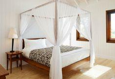 Спальня в пляжном стиле