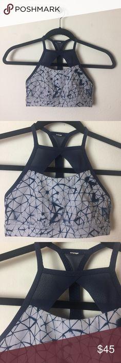lululemon athletica marble mesh sports bra 2 xs gently worn lululemon sports bra. size 2 lululemon athletica Tops