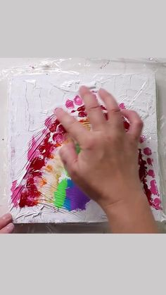 Preschool Painting, Preschool Crafts, Diy Painting, Diy Crafts To Do, Rainbow Painting, Acrylic Plastic, Plastic Wrap, Art Lessons Elementary, Diy Canvas Art