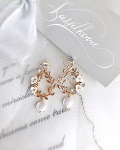 Flower Stud Earrings - floral earrings/ cluster earrings/ sparkly studs/ romantic earrings/ bridal jewelry/ gifts for her/ flower girl gift - Fine Jewelry Ideas Bridal Accessories, Wedding Jewelry, Jewelry Accessories, Jewelry Design, Jewelry Sets, Piercings, Stylish Jewelry, Cute Jewelry, Fashion Earrings