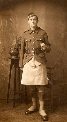 "British soldier ww1 unknown Scottish regiment. by thardy1, via Flickr ""Argyll and Sutherland Highlander from a Service battalion, this time with a kilt apron that was used to replace the sporran and protect the kilt when in the line."""