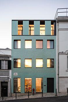 Galería de La versatilidad del revestimiento cerámico en las fachadas contemporáneas - 6