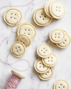 Shortbread Buttons Christmas Sugar Cookies, Holiday Cookies, Button Cookies, Baby Shower Food For Girl, Food Film, Thing 1, Christmas Recipes, Christmas Holiday, Bon Appetit
