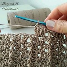 Crochet Tutorial - crochetvideo,crochetbag-Two similar, but different patterns .The second one has more wavy ending. Which one do you like better? Crochet Motifs, Granny Square Crochet Pattern, Crochet Cross, Crochet Stitches Patterns, Crochet Shawl, Crochet Yarn, Stitch Patterns, Knitting Patterns, Crochet Market Bag