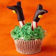Halloween Cupcake Decoration Ideas : theBERRY