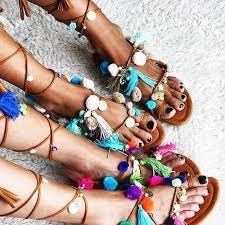Risultati immagini per sandali con nappine