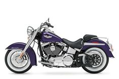 Top 10 motorcycles for women harely-davidson softail deluxe