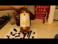 HOW TO remove rust with vinegar - YouTube