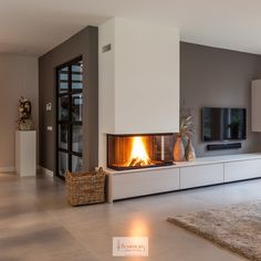 Kamin Wohnzimmer Modern Kamin An Introduction To Bathroom Furniture Article Body: Bathrooms today de Winter Living Room, Living Room Colors, Living Room With Fireplace, Home Living Room, Living Room Designs, Living Room Decor, Cosy Living, Decor Room, Tv With Fireplace