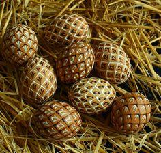 Eastern Eggs, Faberge Eggs, Wax, Rocks, Crafts, Easter Eggs, Egg, Weddings, Creative Crafts