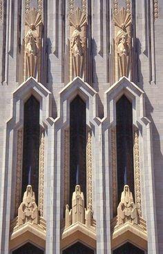 Art Deco building facade in Tulsa, OK Cultural Architecture, Architecture Design, Amazing Architecture, Arte Art Deco, Moda Art Deco, Art Deco Era, Art Nouveau, Design Industrial, Art Deco Stil
