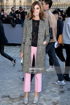 Carine Roitfeld arrives at the Christian Dior show as part of the Paris Fashion Week Womenswear Spring/Summer 2016 on October 2, 2015 in Paris, France.