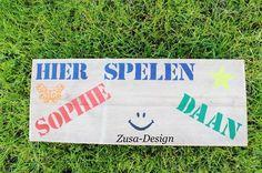 Zusa-Design   Inspiratie voor een steigerhouten tekstbord. Leuk idee voor op een kinderkamer! www.zusa-design.nl #tekst #tekstbord #kinderkamer #inspiratie #wonen #DIY #steigerhout #interieur #woonaccessoires