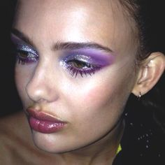 It's time to decide the best makeup style for that magical prom! This year has lots of inspirational makeup trends which worth to try. Don't get confused about the trends. Here are 12 Glamorous Makeup Ideas For Prom that you will love. Makeup Goals, Makeup Inspo, Makeup Art, Makeup Inspiration, Makeup Tips, Makeup Ideas, Makeup Style, Makeup Trends, Beauty Make-up