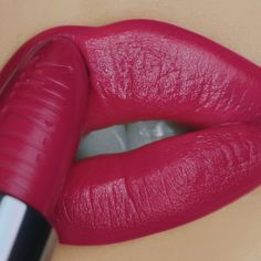 what lip colors do guys like Lipsense Lip Colors, Lip Gloss Colors, Lipstick Colors, Brown Matte Lipstick, Berry Lipstick, Hot Pink Lips, Long Hair Tips, Glossy Hair, Best Lipsticks