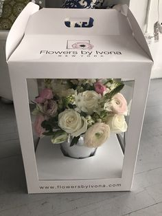 1 million+ Stunning Free Images to Use Anywhere Flower Box Gift, Flower Bag, Flower Boxes, Flower Shop Design, Flower Designs, Floral Design, Flower Shop Decor, How To Wrap Flowers, Diy Flowers