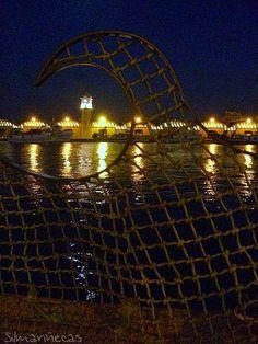 Tinglados del puerto de Gandía, vistos desde el paseo del puerto. Grau de Gandía.