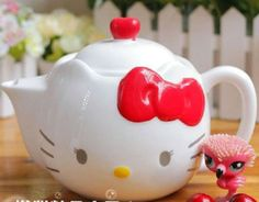 Red Bow Hello Kitty Teapot